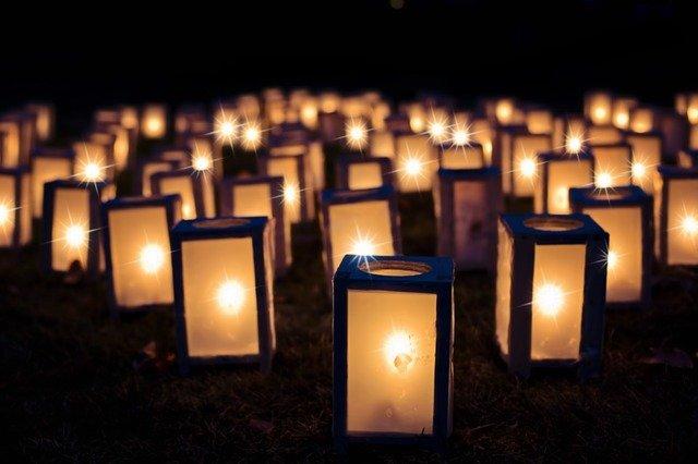 świece w szkle