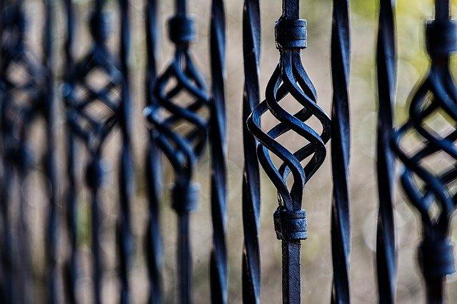 drewniane panele ogrodzeniowe